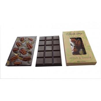 Tabletă de ciocolată neagră cu pecan și ghimbir